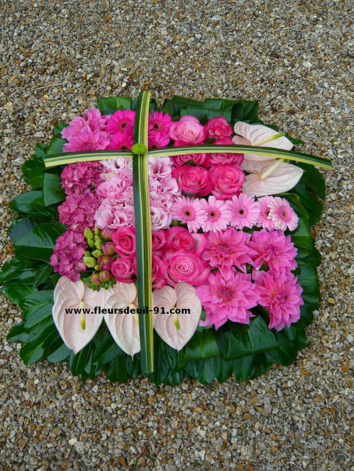 Coussin carré  rose deuil Nedellec-Rivière Etampes pour fleurdeuil-91