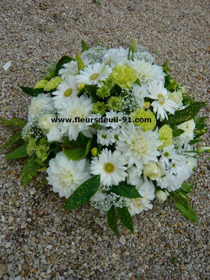 Coussin rond blanc et vert  par Nedellec-Rivière Etampes pour fleurdeuil-91