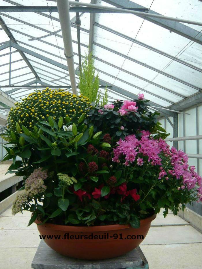 Livraison funérarium d`Arpajon coupe de plantes deuil