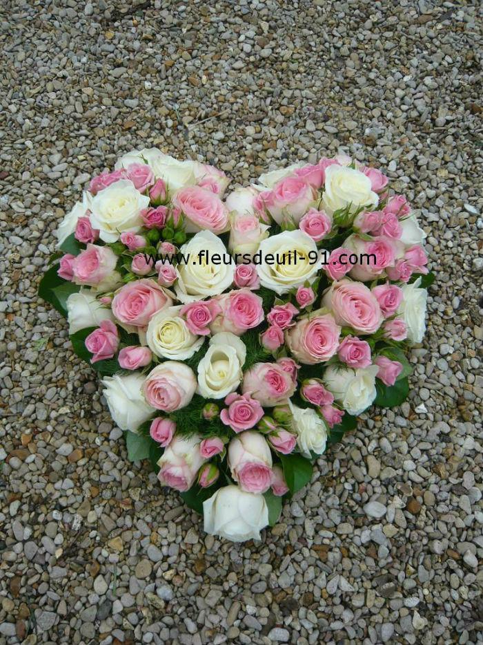 Petit coeur en roses, Fleuriste Deuil Etampes 91 Nedellec-Rivière